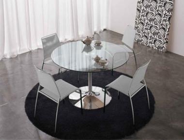 Arredamento soggiorno divani tavoli sedie for Tavoli rotondi da soggiorno